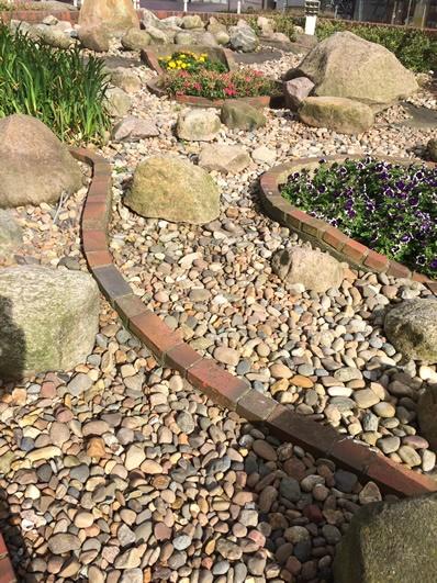 Gartengestaltung hanglage mit steinen for Tipps fur gartengestaltung