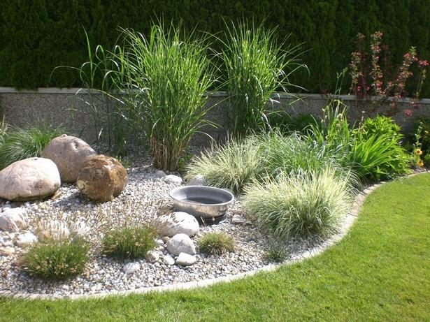 Steinbeet mit brunnen for Gartengestaltung mit brunnen