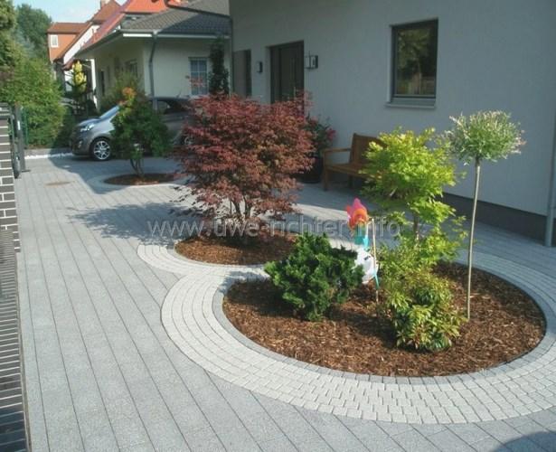 Vorgarten modern kies for Gartengestaltung vorgarten modern