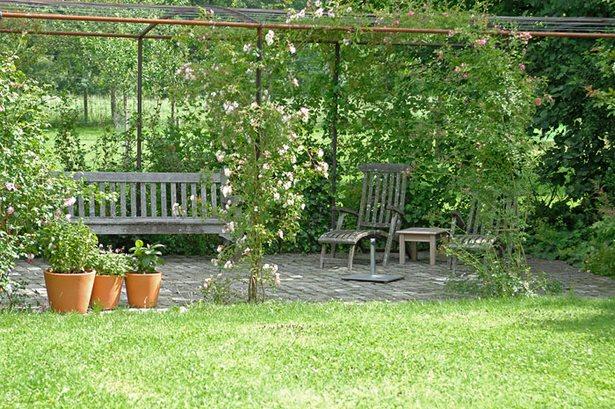 Romantischer Sitzplatz Garten