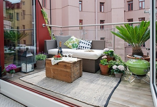 kleine terrasse gem tlich gestalten. Black Bedroom Furniture Sets. Home Design Ideas